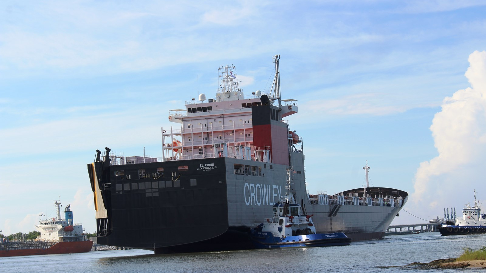 LNG-Powered Container Roll-on/Roll-off Ship, El Coqui